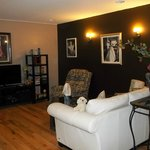 Guests private media/sitting room