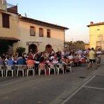 Cena in piazza per la festa dei nonni