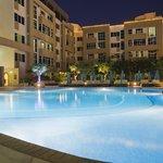 Elite Seef Residence Pool Side