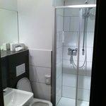 Sehr modern-stylisches Badezimmer. Top!!