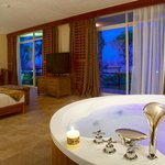 Jaccuzzi in executive room