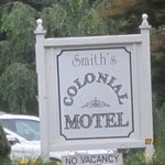 Smith's Colonial Motel