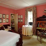 The Victorian Suite - Parkside on Ellery Bed and Breakfast