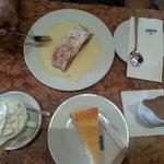 Strudel, new York cheesecake and hot chocolate