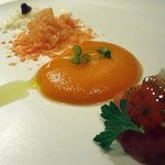 Crema de tomate con granizado de queso
