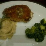 chicken stuffed w/ garlic & herb cream cheese...yummy mashed potatoes
