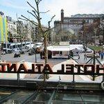 Vista dalla sala colazione su Piazza Rembrandt