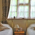 Twin Room in Detached Cottage