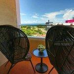 Photo de Smokey Joe's Hotel