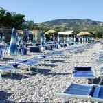 spiaggia del villaggio (Lido San Matteo)