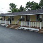 Motel units 4-9