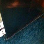 Dirty elevator floor