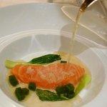 saumon sur glace et consommé brulant