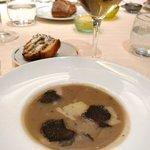 soupe d'artichauts à la truffe noire