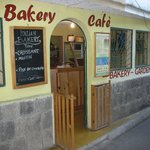 Enter to bakery.