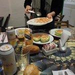Disfrutando de una cena elaborado por nuestras manos