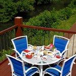 Déjeuner côté rivière