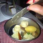 gli ingredienti della pastiera napoletana sapientemente scomposti