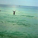 Banho de mar em Dominicus - temperatura super agradável.