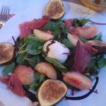 Fig and peach salad
