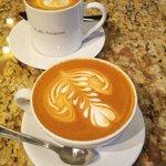 Cappuccino & Latte @Cafe Artigiano