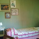 1 bed in 3 person suite - Roman Holiday