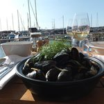 Man-sized starter of steamed mussels