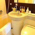 清潔なバスルーム