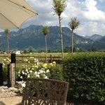 Restaurantterrasse mit Blick auf Schloß Neuschwanstein