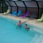 piscina cubierta en dias lluviosos