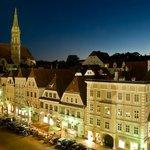 Blick vom Rathaus zum Hotel Mader