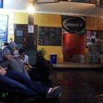 É a parte comum do hostel, onde existe uma mesa de Ping Pon, vários sofas e uma Agência de Turis