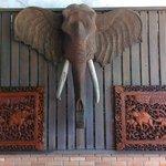 Happy Elephant Deco