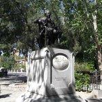 Francisco de Goya y Luciens, escultura en su homenaje