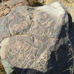 Los petroglifos se adjudican a los pobladores prehispánicos del valle de Aconcagua