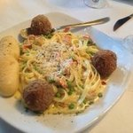 Fettuccine Carbonara (Excellent)...added meatballs