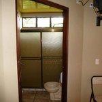 kleine badkamer met toilet