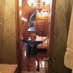 727 aft bedroom from aft bathroom
