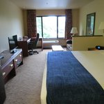 Photo of Oxford Suites Portland - Jantzen Beach