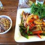 Shrimps, rice, mango and vegteables
