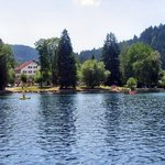 établissement vue du lac
