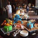 So many desserts!