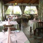 Salon de restaurant con vista