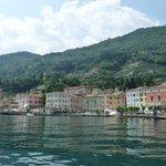 Le port de Gargnano vu du lac.