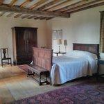 2nd double bedroom - has adjoining door to twin room
