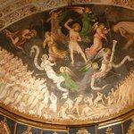 Fresco sobre el retablo