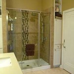 Ensuite Shower for Queen Room