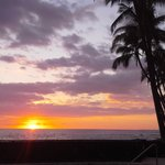 Sunset from Magic Sands Beach, about 20min away from the Aloha Guest House