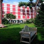 알 부스탄 호텔
