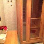 1/2 bath with sauna 1st floor flat